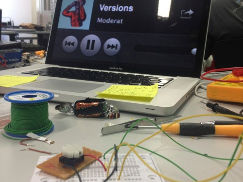 First steps: speaking to Spotify through an Arduino.